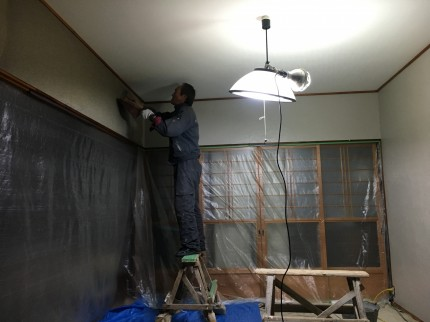 壁塗り替え