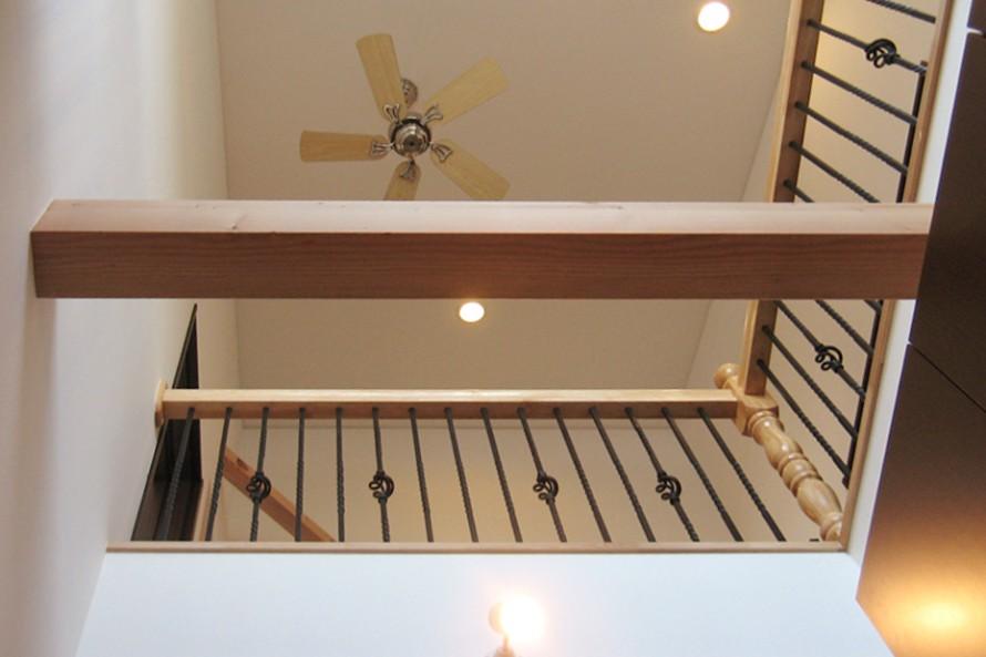 階段手すりにはロートアイアン